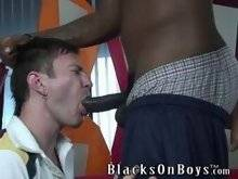 Hunk kissing and assdrilling his horny friend outdoor